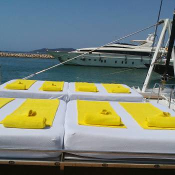 Five Star Boat (Luxury Boat)